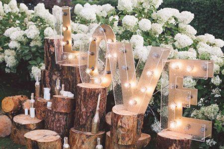 wedding-love-decor